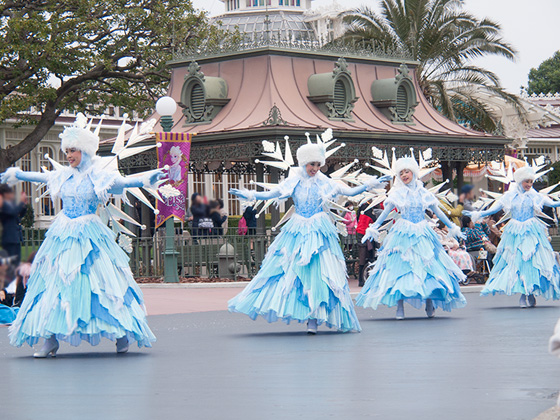frozen_parade2016_2