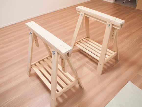 IKEAの三角脚完成したところ