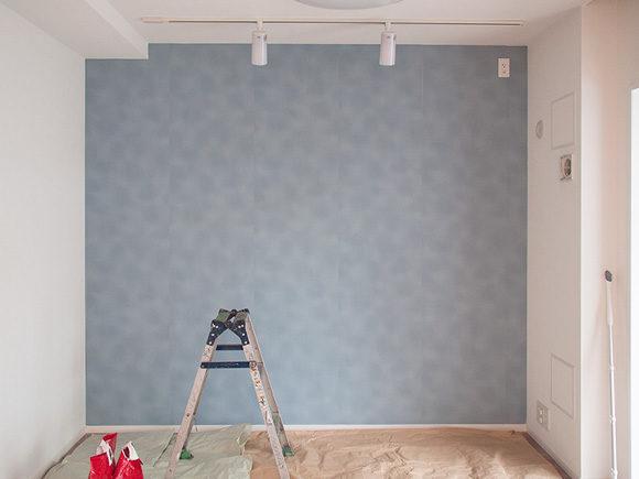 ペンキを塗る前の壁