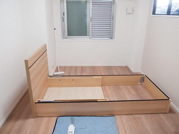6畳にシングルベッドを搬入した時の写真