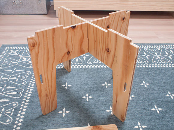 yokaテーブル組み立て