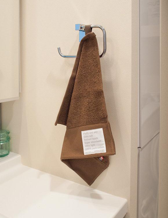 ハンドタオルを洗面所に使う