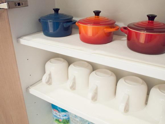 食器棚 カップ 整理