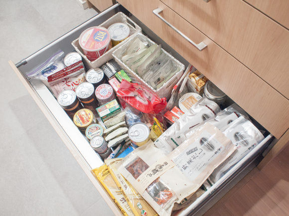 パントリー 引出し 食品ストック 整理