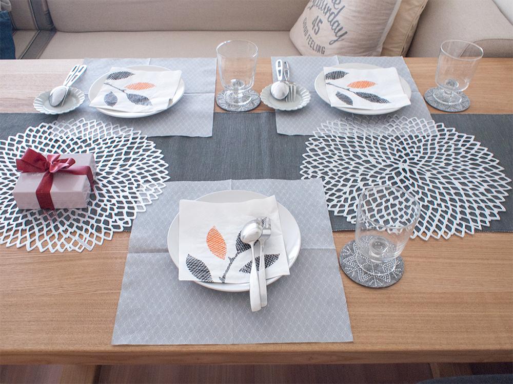 ホームパーティ テーブルコーデ