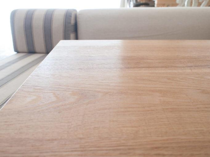 ハワードオレンジオイルを無垢テーブルに塗ったところ