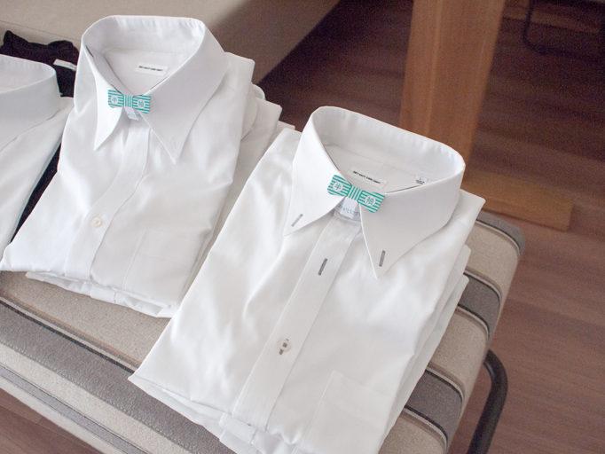 畳まれた夏用のワイシャツ