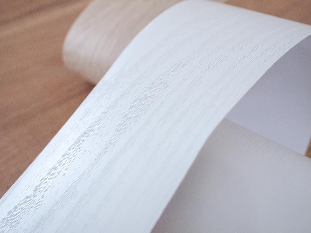 白い木目のリメイクシート