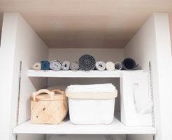 つっぱり棒で作ったキッチンの棚