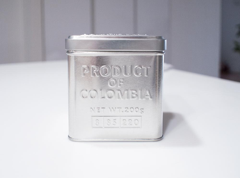 100均の缶