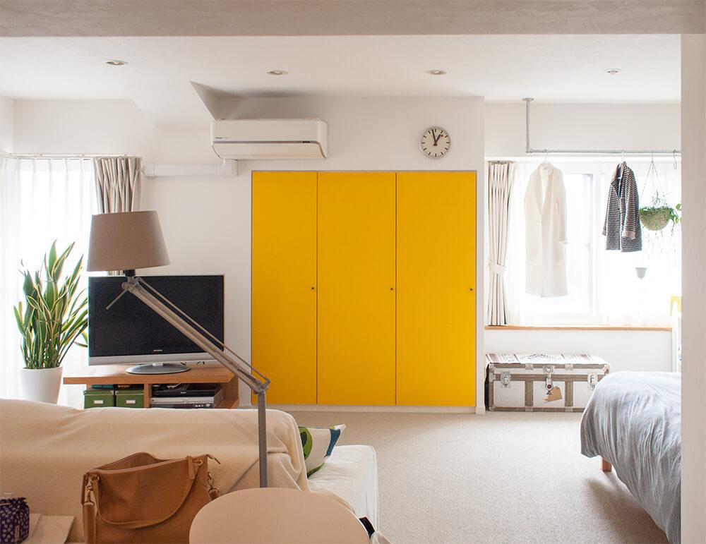 黄色がポイントのお部屋