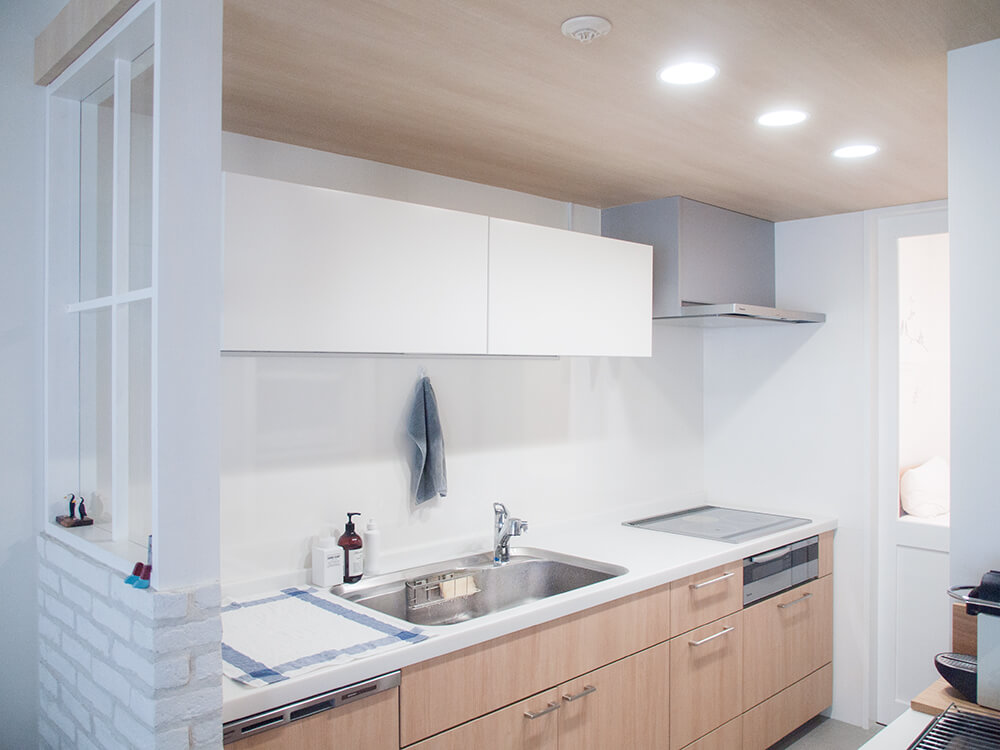 キッチンと吊り戸棚