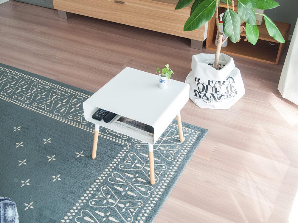 白くておしゃれなローサイドテーブル