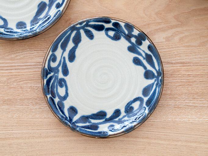 琉球るり唐草模様の美濃焼の平皿