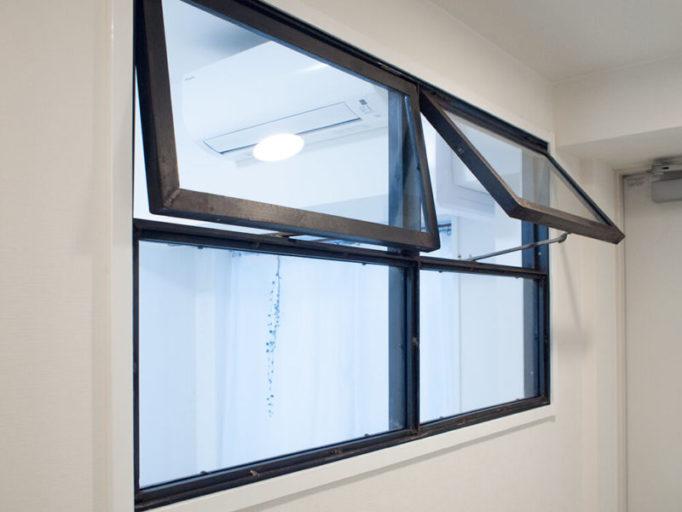 アイアン室内窓