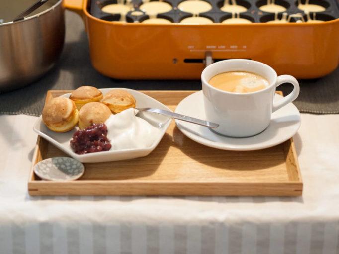 器に盛ったベビーカステラとコーヒー
