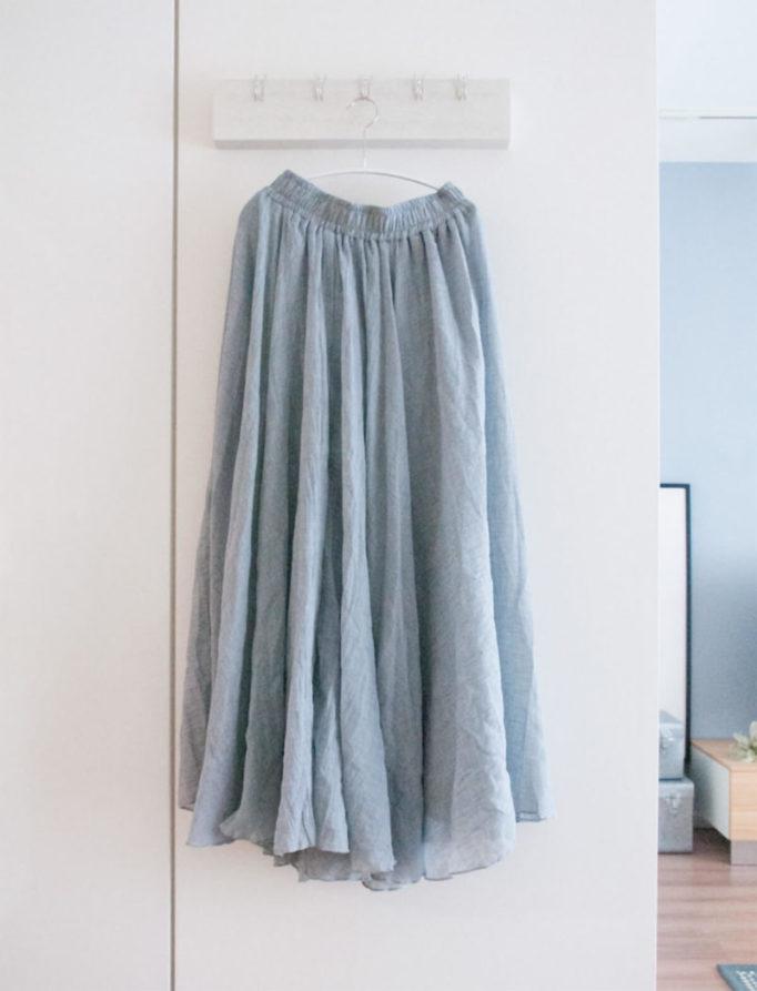 楽天で買ったマキシスカート グレー