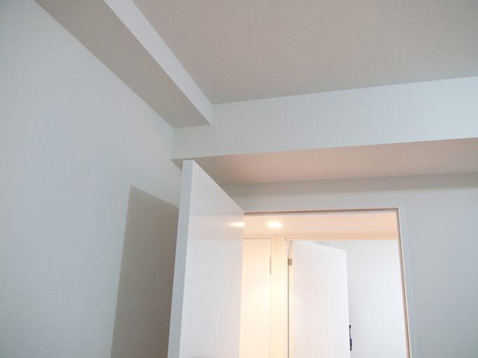 マンション天井のハリ