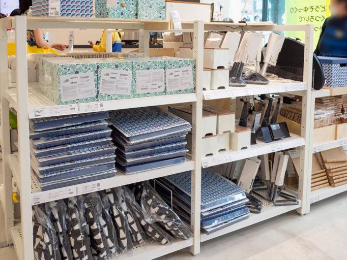 IKEA原宿の陳列棚