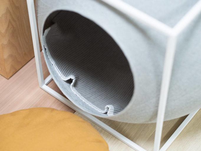 猫ハウスに敷いたラグ